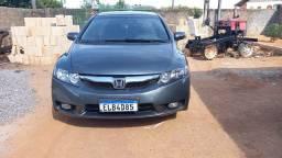 Vendo Honda Civic ano 2009 completo automático em dias