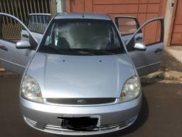 Fiesta hatch 1.0 gasolina completo - 2003
