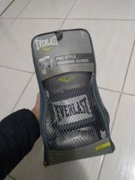 Luva de boxe Everlast cinza + bandanas Everlast