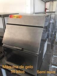 Maquina de gelo 50kg - João