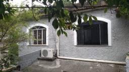 Título do anúncio: casa rua 1 Santa Bárbara Niterói