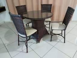 Mesas e cadeiras!!!