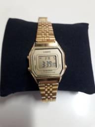 Relógio  Casio mini dourado