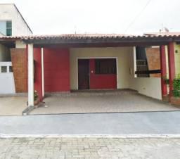 Casa no Cond. Praia das Fontes - Av. Mário Andreazza