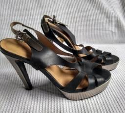 826f5691957 Sandália festa preta com prata Sapatella tamanho 36