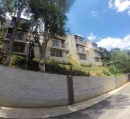 Fazenda Inglesa - Casa Triplex Nova (Nunca habitada). Fácil acesso a saída para Rio