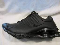 Tênis Nike Shox NZ Preto 4 molas