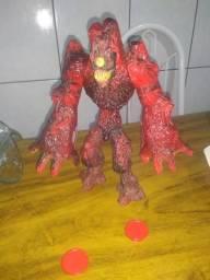 Boneco lava monstro