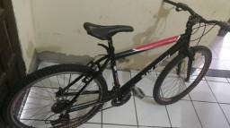 Bicicleta semi nova aro 26!