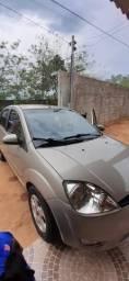 Fiesta hatch .completo.12.700 - 2006