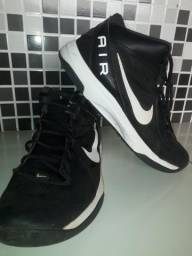 Tênis Nike Air n°43 - Basqueteira