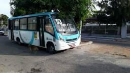 Vendo micro ônibus Mercedes-Benz 2011 por 85 mil - 2011