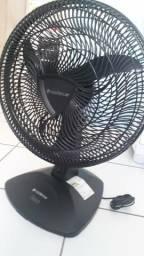 Vendo ventilador CADENCE todo original de fábrica 80,00 no precinho pra vender logo