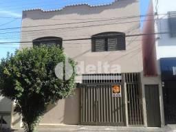 Casa para alugar com 4 dormitórios em Centro, Uberlândia cod:275654