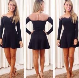 Vestido preto com tela