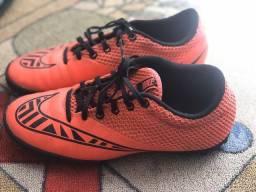 Chuteira society Nike 37