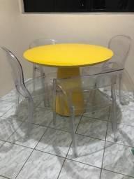 Mesa de jantar 4 lugares usada