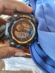 Vendo  relógio sporte a prova de água