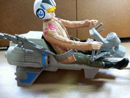 Título do anúncio: Nave star wars - piloto e arma