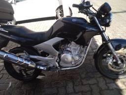 Título do anúncio: Fazer 250 2008 linda moto em dia ,transfere na hora