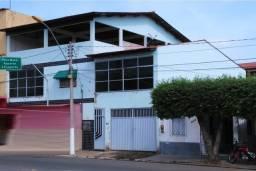 Vendo Casa Grande com 3 Quartos, centro - Baixo Guandu