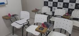 Título do anúncio: Cadeiras universitárias brancas 3 unidades