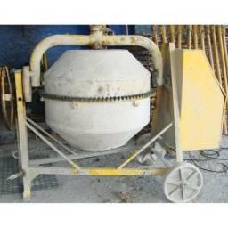 Vendo betoneira 400 litros CSM