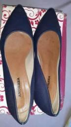 Sapato de salto médio semi novo