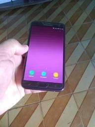 Vendo um celular j4