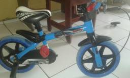 Vendo uma bicicleta infantil