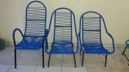 Vendo essas 3 cadeiras pro apenas 200 reais novas nunca usadas