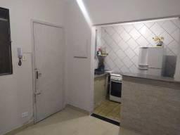 43 - Aluga-se apartamento - 1 Dorm. - Centro - SV - 45m²