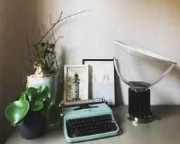 Em pleno funcionamento Maquina de escrever antiga - antiguidade