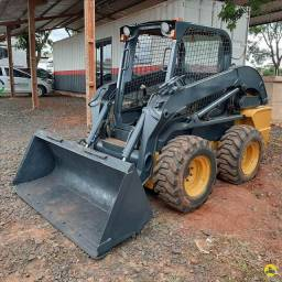 NEW HOLLAND L220 2011<br><br>