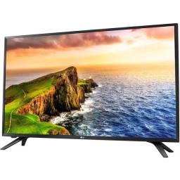 """Título do anúncio: TV LED 32"""" LG 32LV300C.AWZ HD<br><br>"""