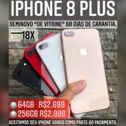 iPhone 8 Plus 64gb de vitrine, aceitamos seu iPhone usado como parte do pagamento.