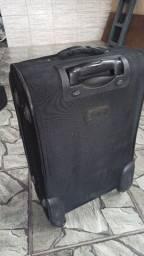 Três malas de viagem por R$250.00