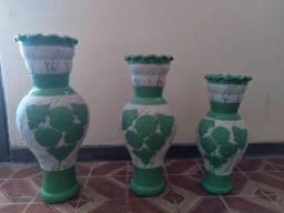 Jogo ( trio) de vaso Bahiano
