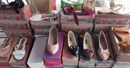 41 pares de sandália para repasse... retirada em manga