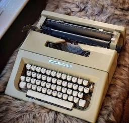 Funcionando e com tinta ja inclusa Maquina de escrever antiga - antiguidade