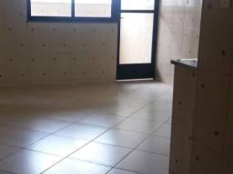 Apartamento 2 Quartos c/Garagem - Nova Benfica