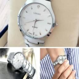 Relógio Feminino LongBo Prateado Fundo Branco