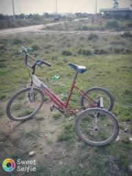 Triciclo em bom estado