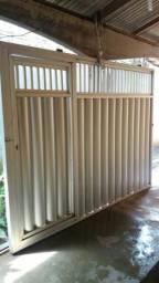 Vende-se portão de alumínio