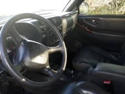 Chevrolet s10 em perfeito estado de conservação - 2006
