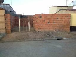 Terreno em atalaia; já em construção