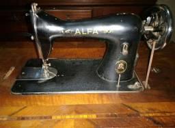 Máquina de costura Alfa 100% funcional