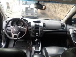 Kia cerato 2012 automático