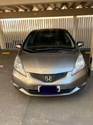 Honda Fit conservado. Carro de mulher