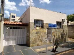 Título do anúncio: Casa 158,98m² com 3 dormitórios, 1 suíte. À venda R$ 400.000,00 - Centro - Araraquara-SP
